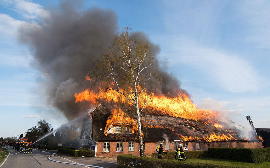 thatch roof fire calne news